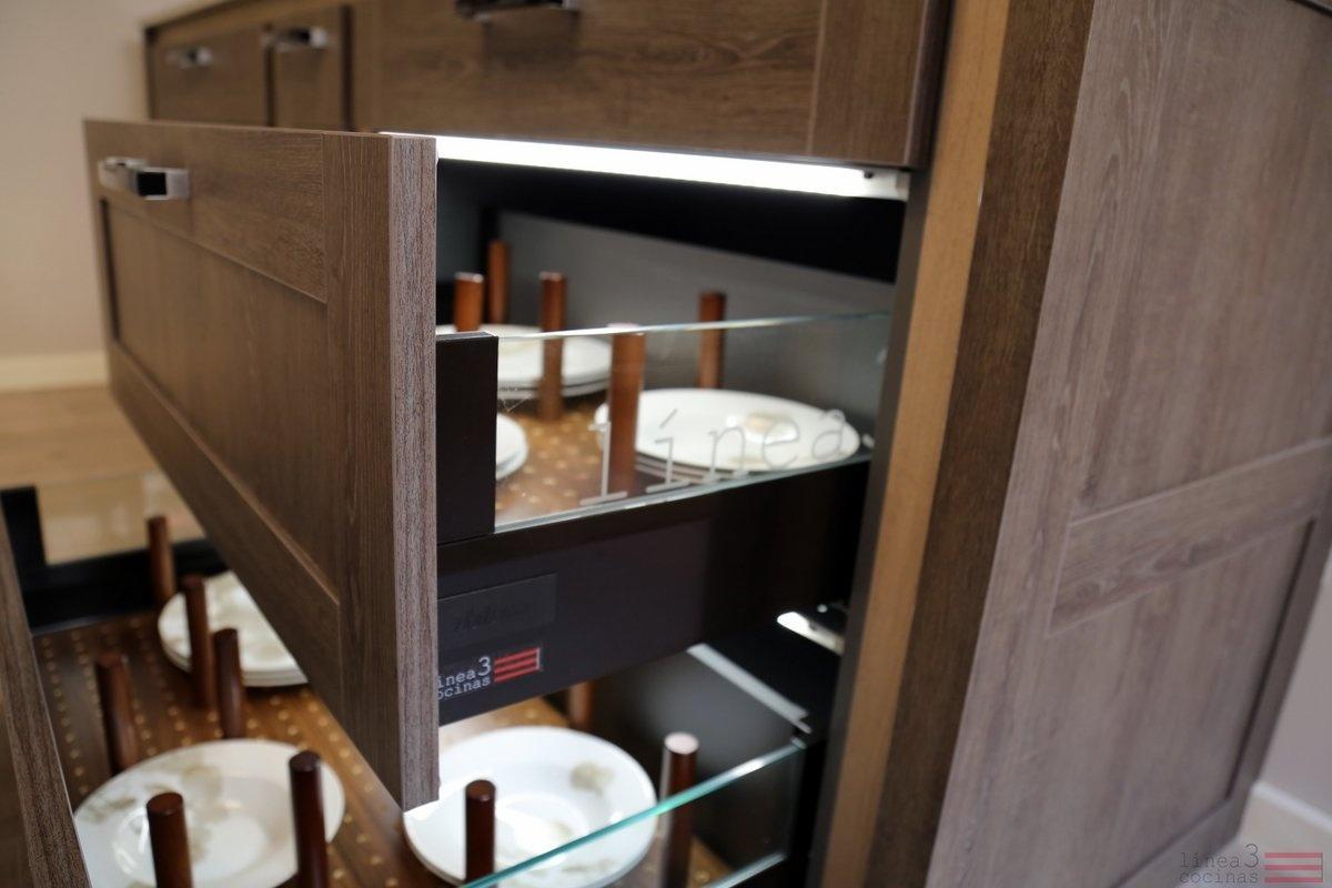 DóNDE GUARDAR LA VAJILLA EN LA COCINA - Blogs de Línea 3 Cocinas ...