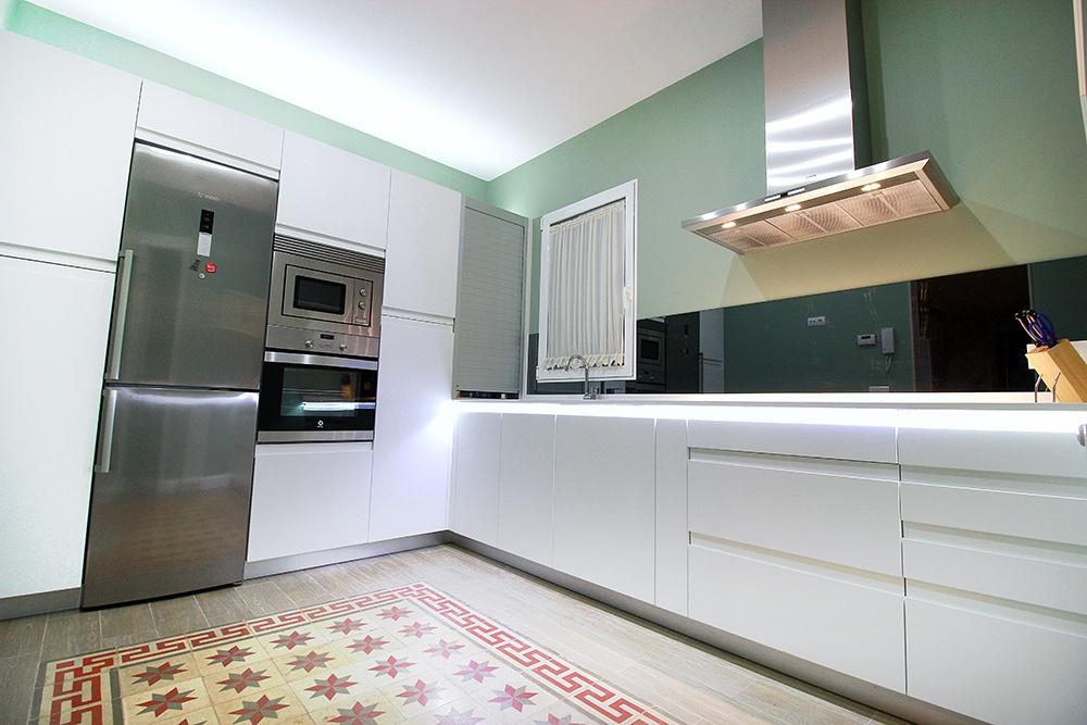 Dise o de cocinas en cocina suelo hidr ulico galer a de - Suelo para cocinas ...