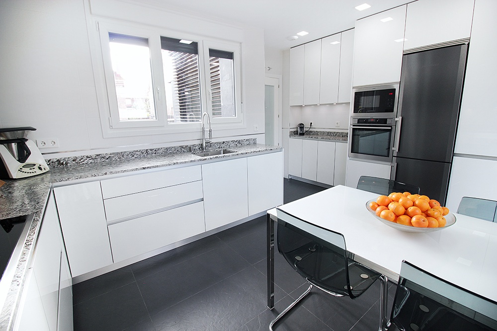 muebles de cocina colgados del techo ideas On cocinas modernas hasta el techo