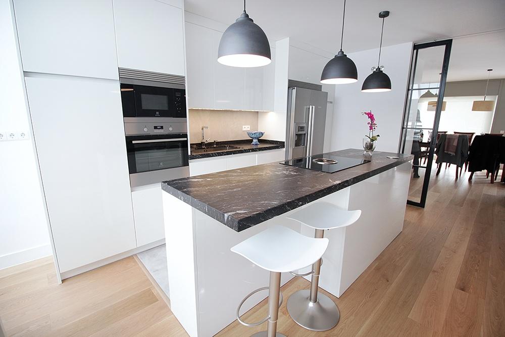 Mueble isla para cocina stunning isla minimalista para for Muebles de cocina modernos con isla