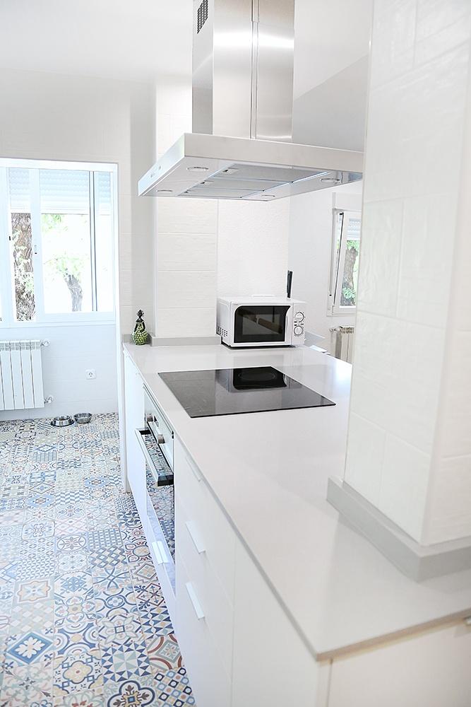 Cocina Blanca Con Isla Abierta Al Salon Blogs De Linea 3 Cocinas - Cocinas-blancas-con-isla