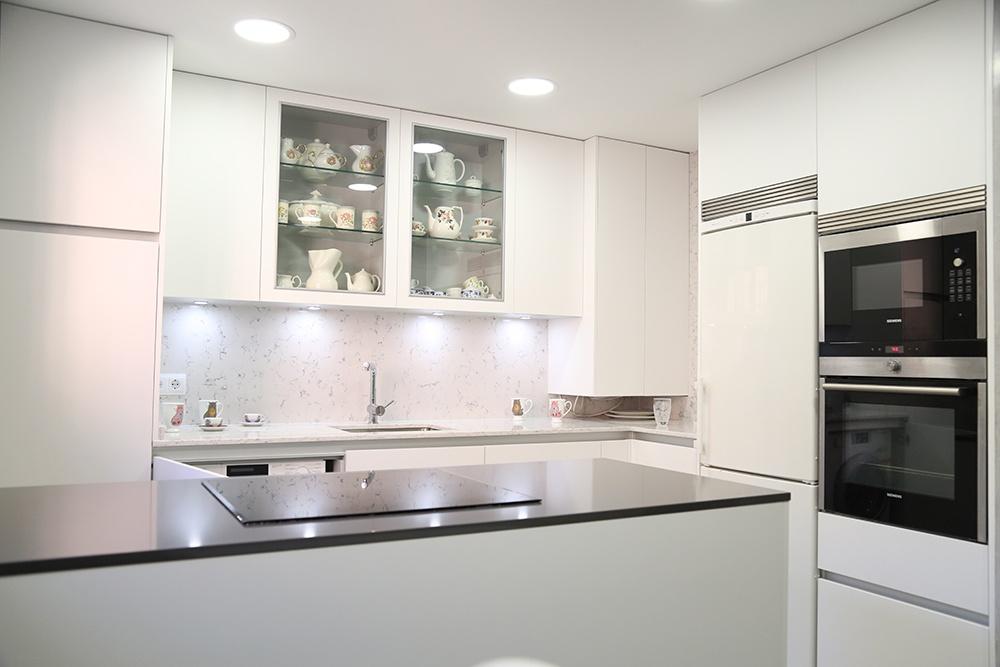 Dise o de cocinas en madrid reforma de cocinas cocinas for Disenos de cocinas en l