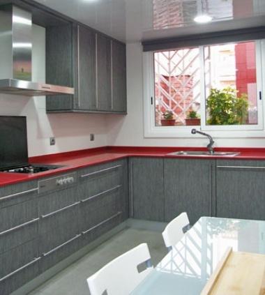 UNA ENCIMERA ROJA PARA LA COCINA - Blogs de Línea 3 Cocinas, Diseño ...