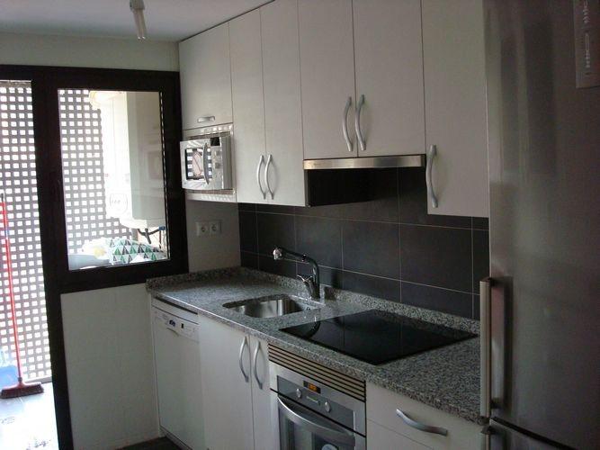 diseo de cocinas en alcorcon madrid ibiza blanca encimera granito regruesada blanco perla galera de proyectos realizados lnea cocinas