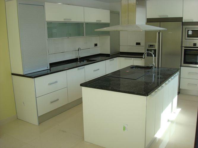 Dise o de cocinas en getafe madrid blanco encimera - Cocinas en blanco ...