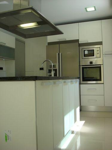 Diseño de cocinas en getafe (madrid) blanco encimera granito negro ...